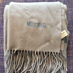 Moschino 100% lambs wool scarf